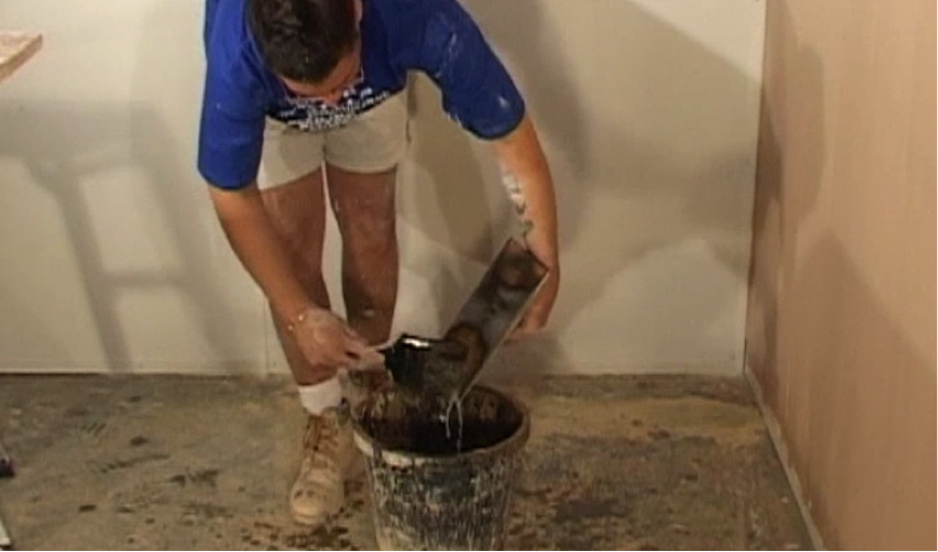 step-1-clean-your-trowel