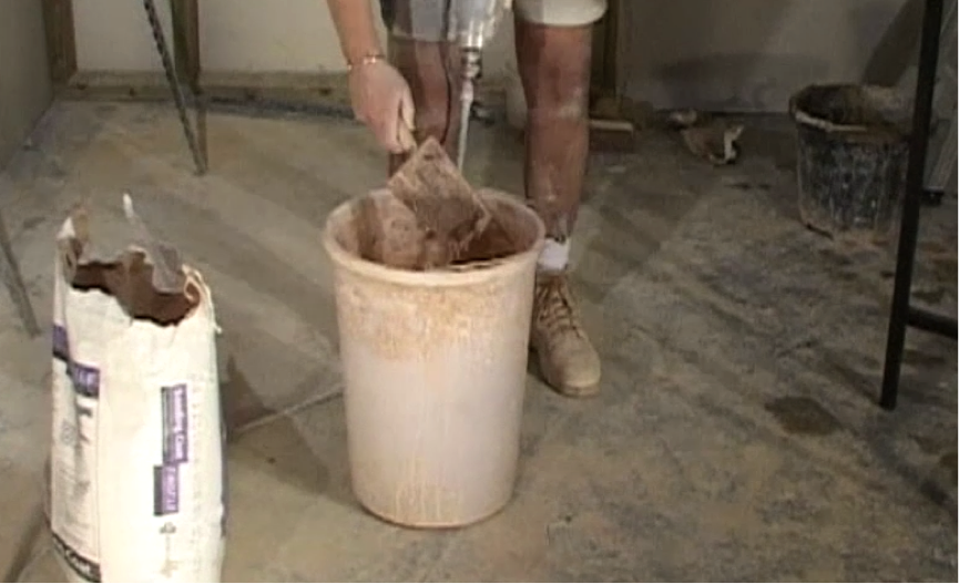 step-3-mix-the-plaster-thoroughly