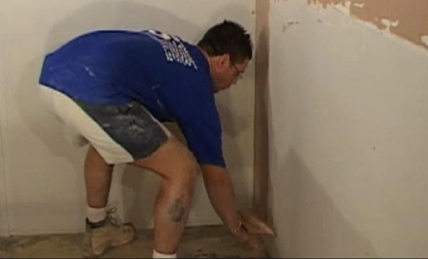 step-8-plastering-the-bottom-half