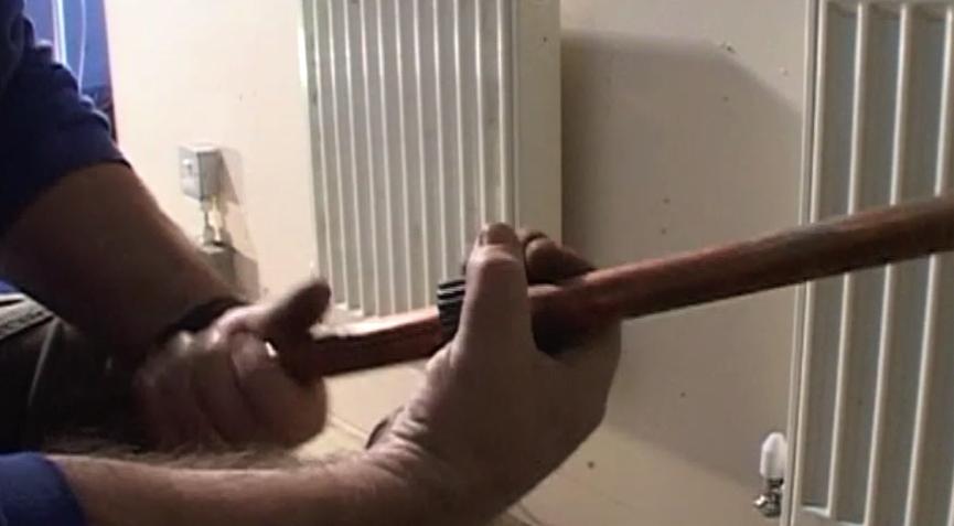 step-2-cut-the-pipe