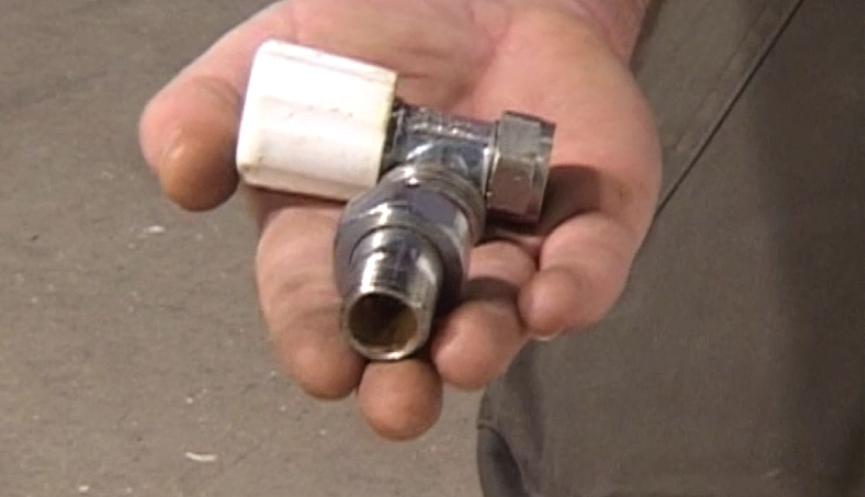 step-3-fittin-the-radiator-valves