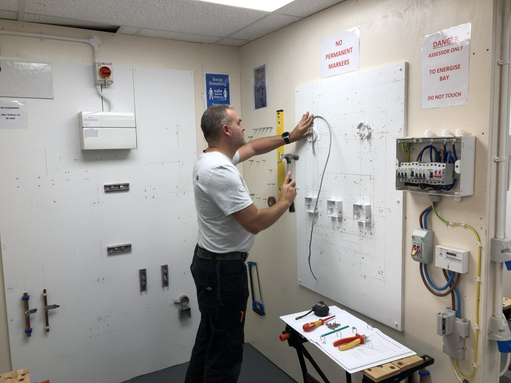 Electrician-training-courses